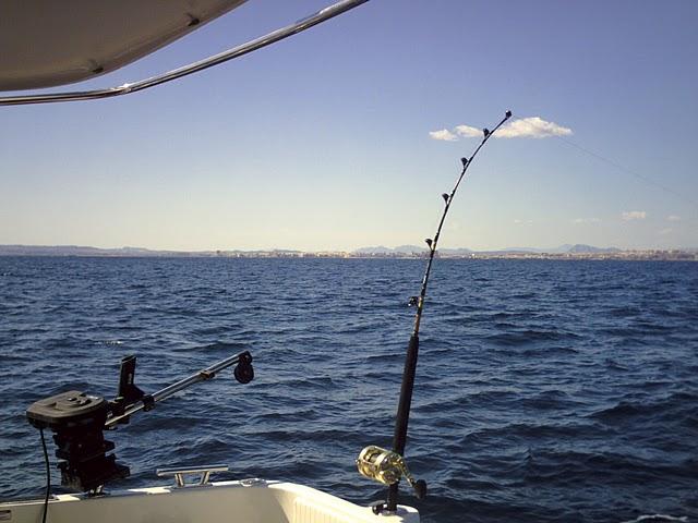 Alquiler de barcos para pesca currican